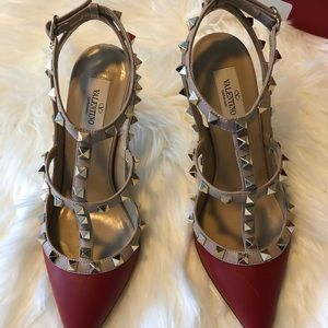 Valentino Garavani heels 👠